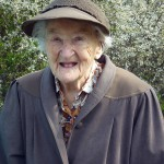 Mit ihren 101 Jahren ist Vera Schmidt unser flottes ältestes Mitglied.